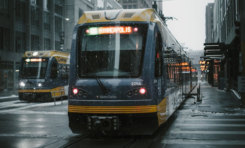 yellow and gray passenger train photo